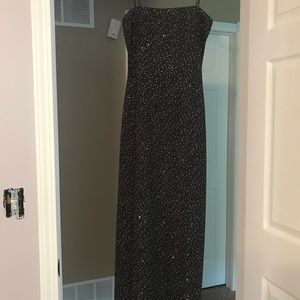 Dresses & Skirts - Black formal gown